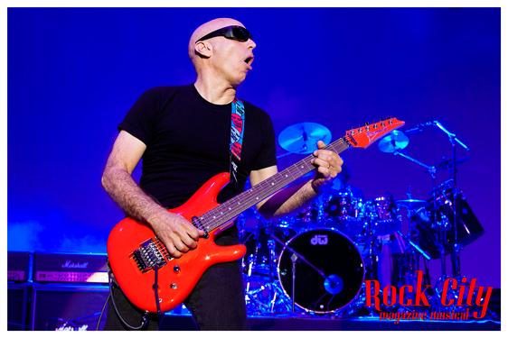 Joe-Satriani-05